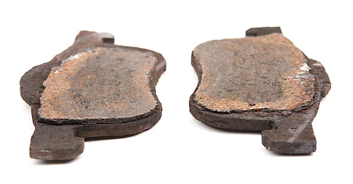 Should A Technician Use Percentages To Document Brake Pad Wear?